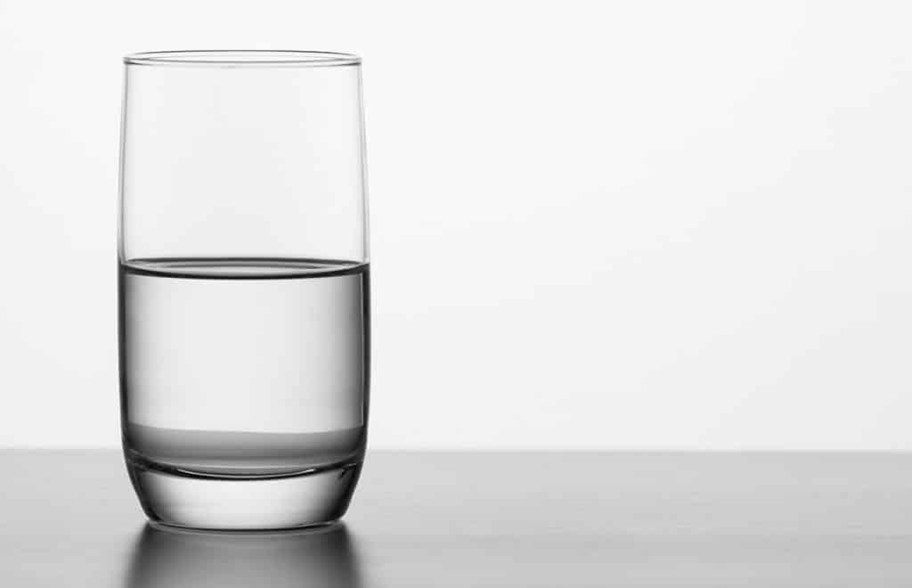 น้ำครึ่งแก้ว, การตลาด, โควิดขๅต
